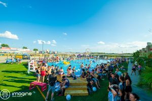 Imagine fest pool