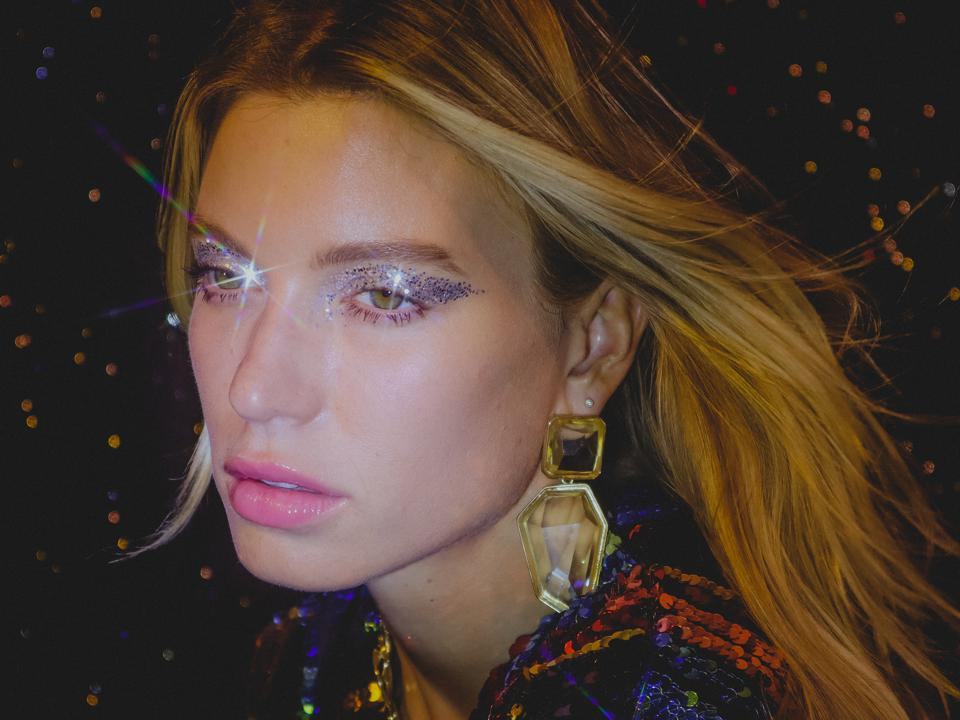 Female EDM artist Anabel Englund debut's her album Messing With Magic